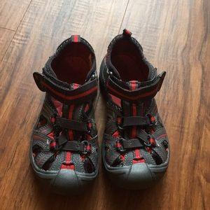 Merrell hydro sandals size 11M boys